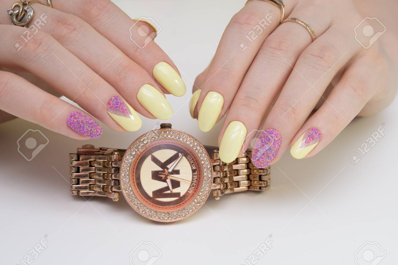 Natural nails and amazing clean manicure. Gel polish applied. - 77893806