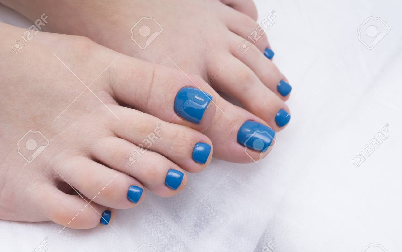 Women S Foot And Clean Pedicure Natural Nails Gel Polish Applied