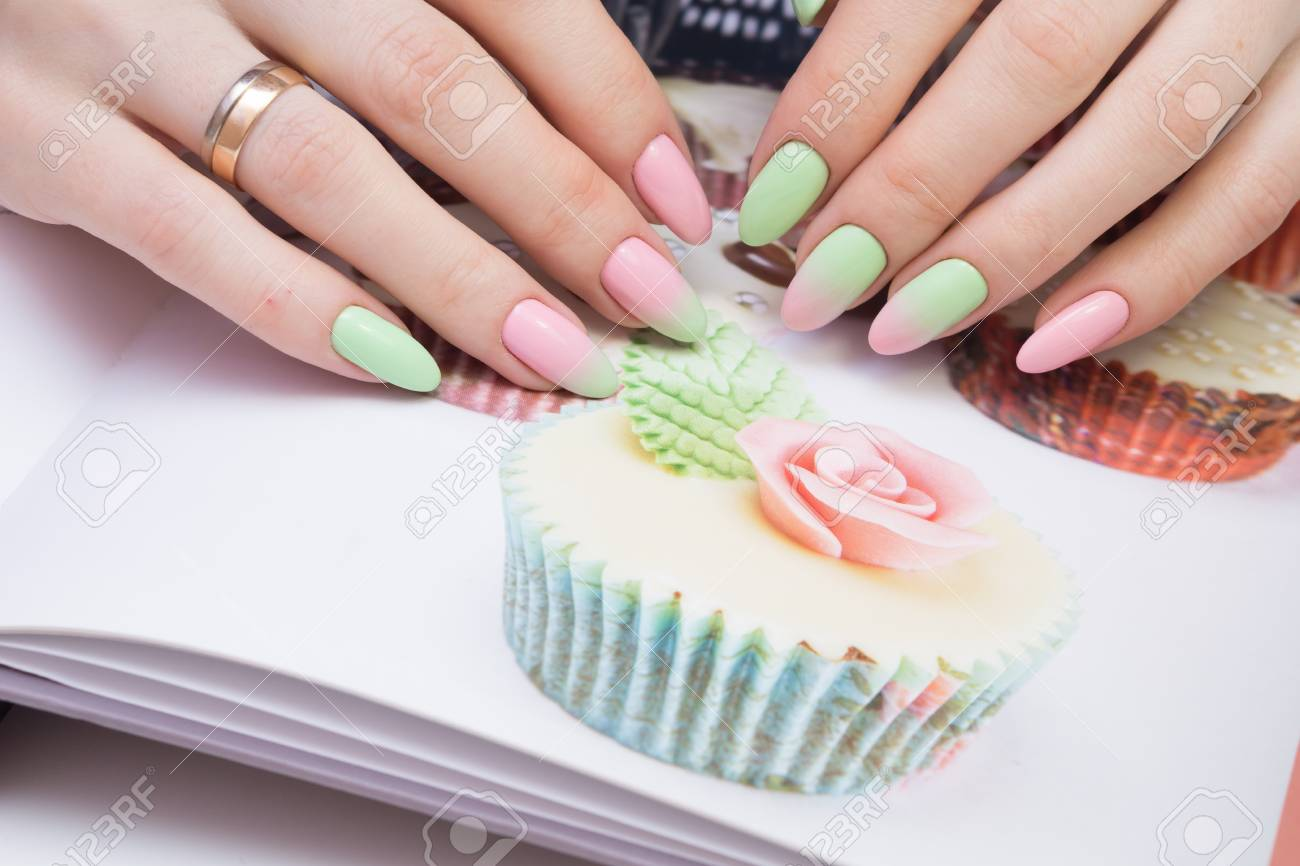 Natural nails with gel polish applied. Ideal manicure and women's hands. - 92332695