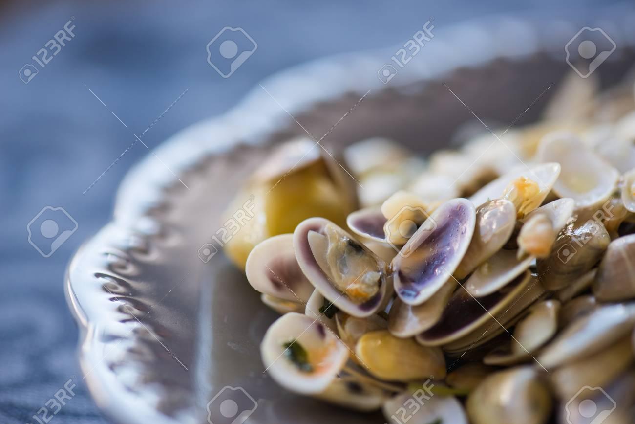 Palourdes Frites Avec Roti Pate L Ail Le Citron La Coriandre
