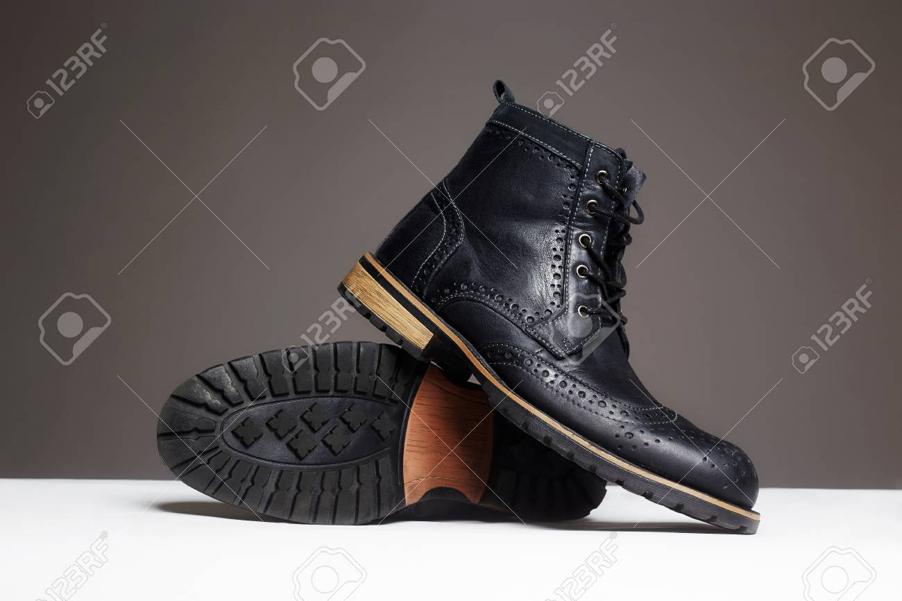 Life. Men Black Boots. Demi-season