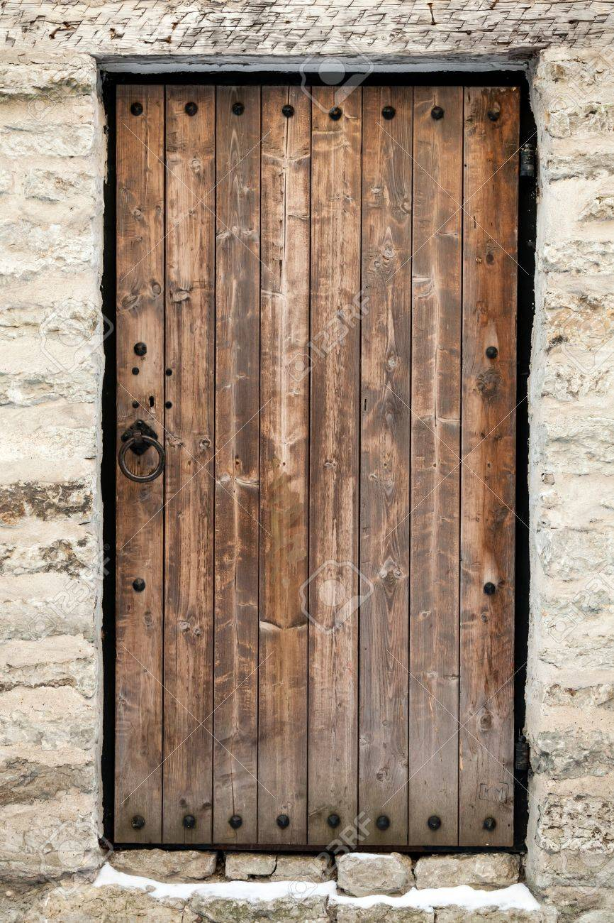 Porte En Bois Ancienne Dans Le Vieux Mur De Château En Pierre