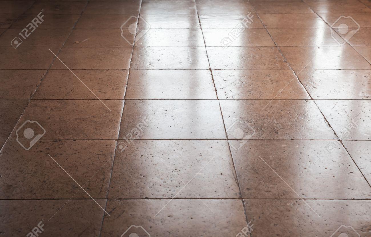 Fußboden Fliesen Zum Glänzen Bringen ~ Glänzende braune stein bodenfliesen hintergrund textur mit