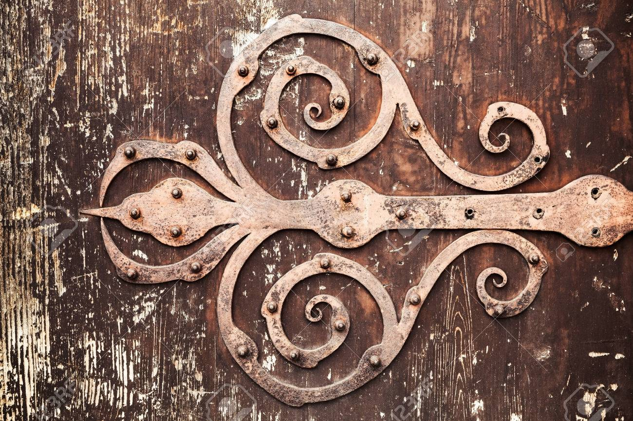 Ordinaire Old Rusted Forged Decorative Door Hinge On Vintage Wooden Board, Closeup  Photo Texture With Retro