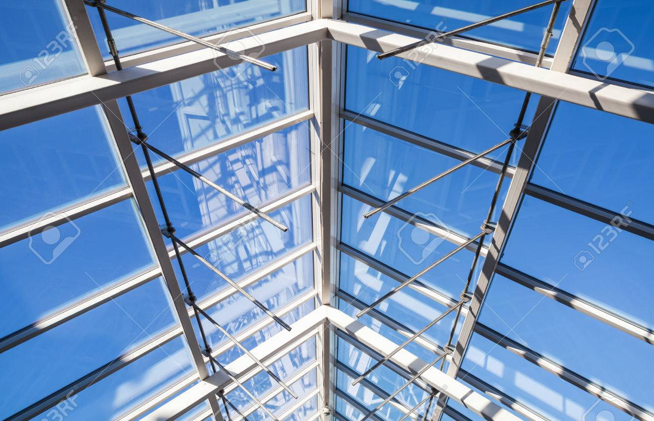 Foto De Fondo De Arquitectura Abstracto De Alta Tecnología Estructura Interna De Arco De Techo De Vidrio Con Secciones De Ventanas Con Cerradura