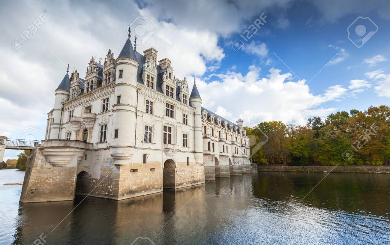 Chenonceau france november 6 2016 chateau de chenonceau on the river