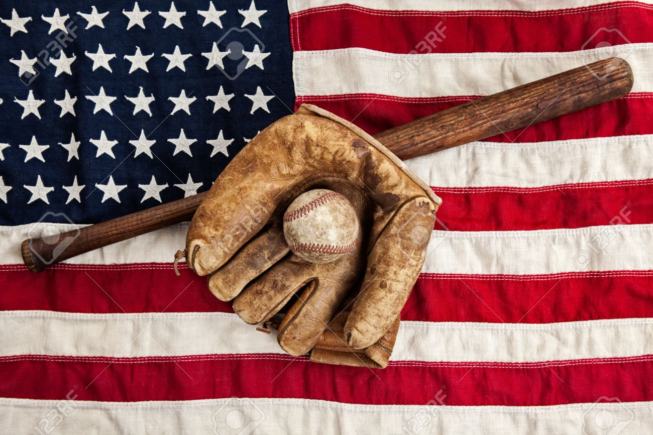 Stock Photo - Vintage baseball and American flag 001c0d06049