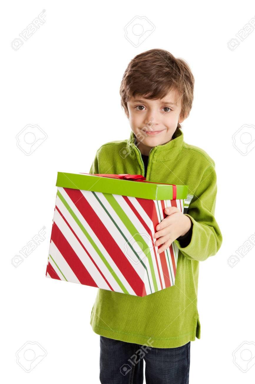 8 Jahre Alter Junge Hält Große Weihnachtsgeschenk Box Lizenzfreie ...