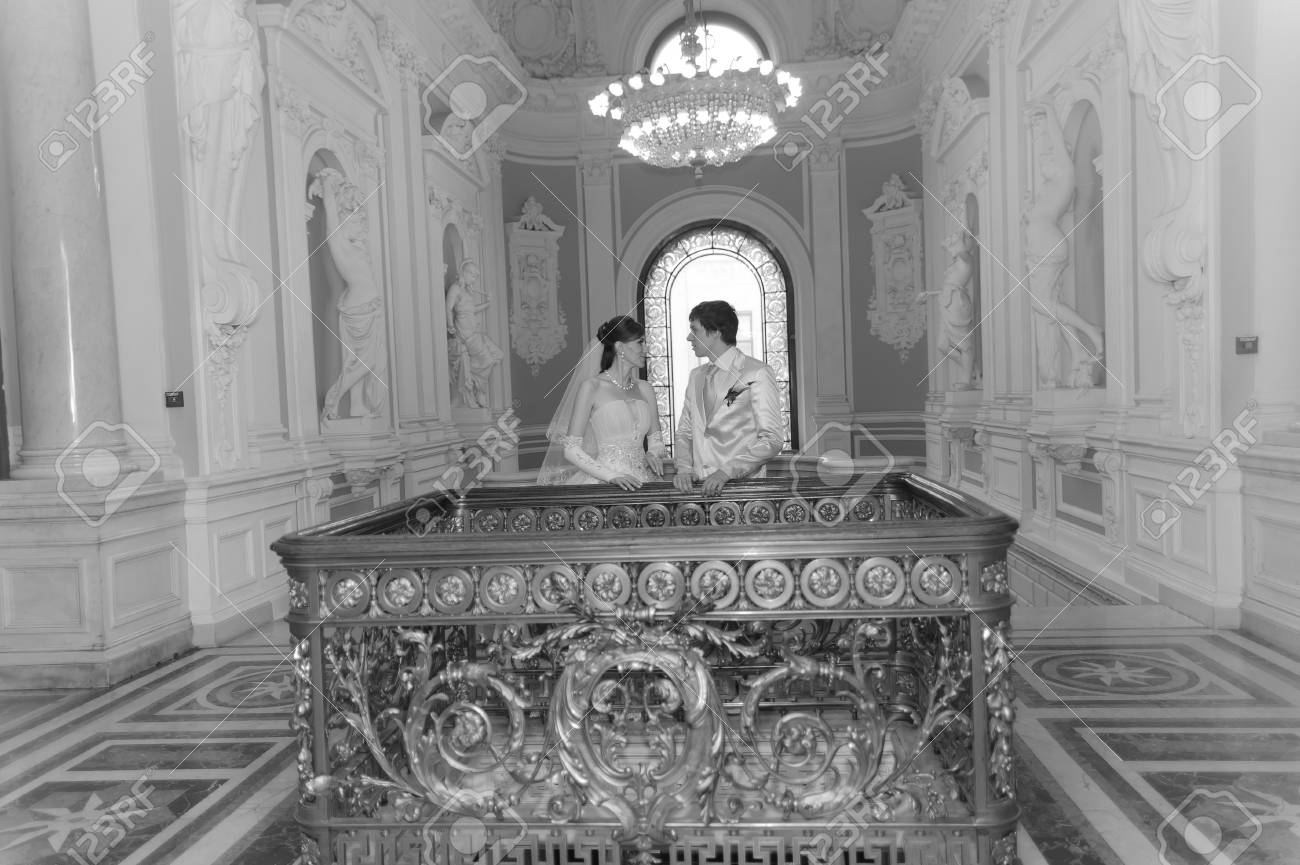 newlyweds in a beautiful palace Stock Photo - 9000222