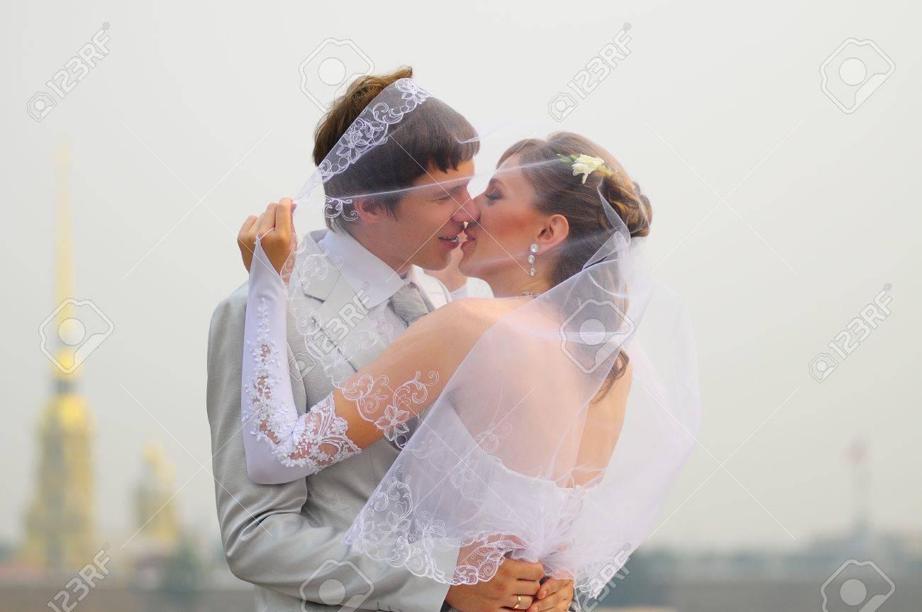 Wedding Kiss Stock Photo - 9724826