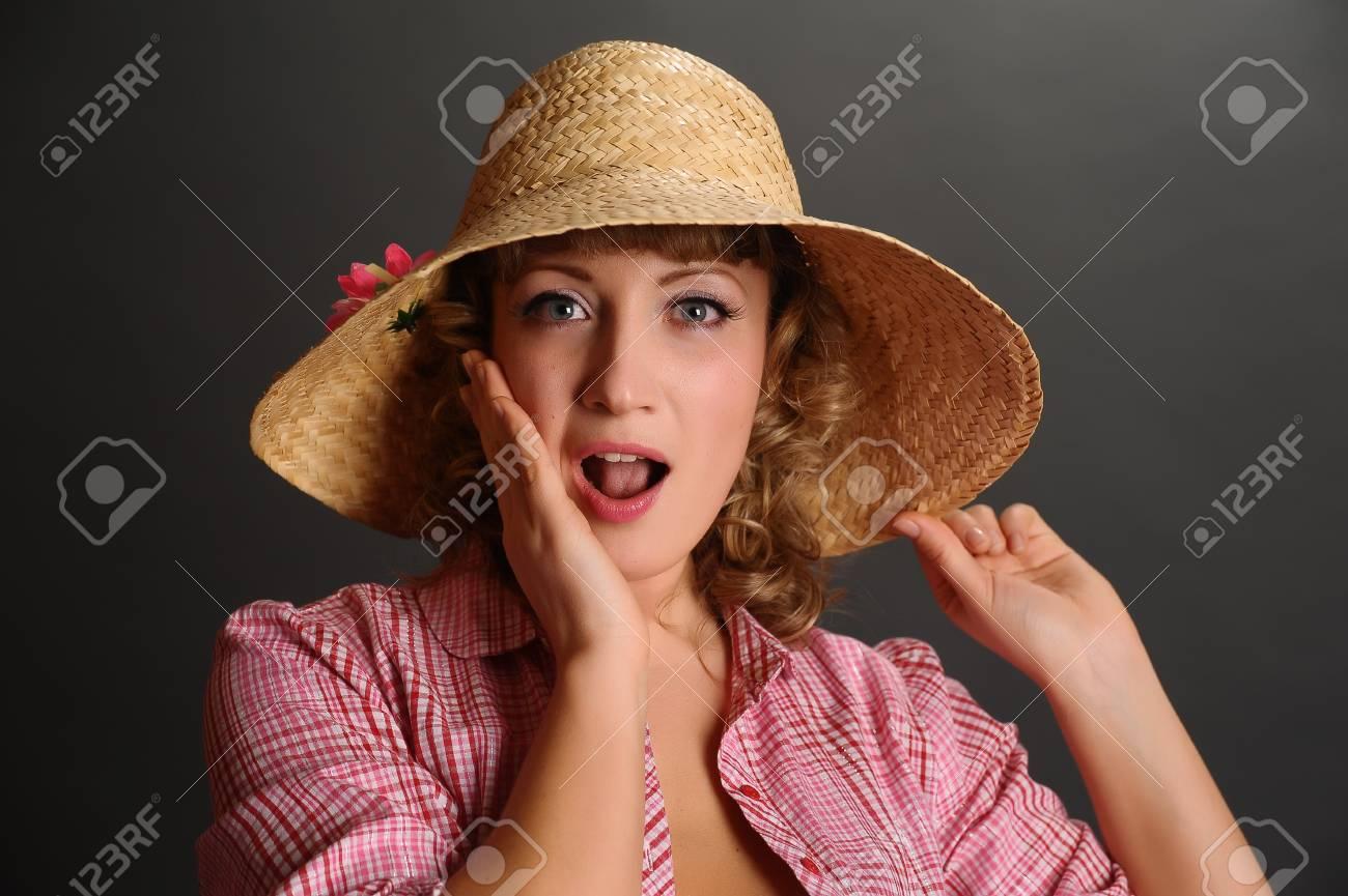 bin up girl in a straw hat Stock Photo - 9266884