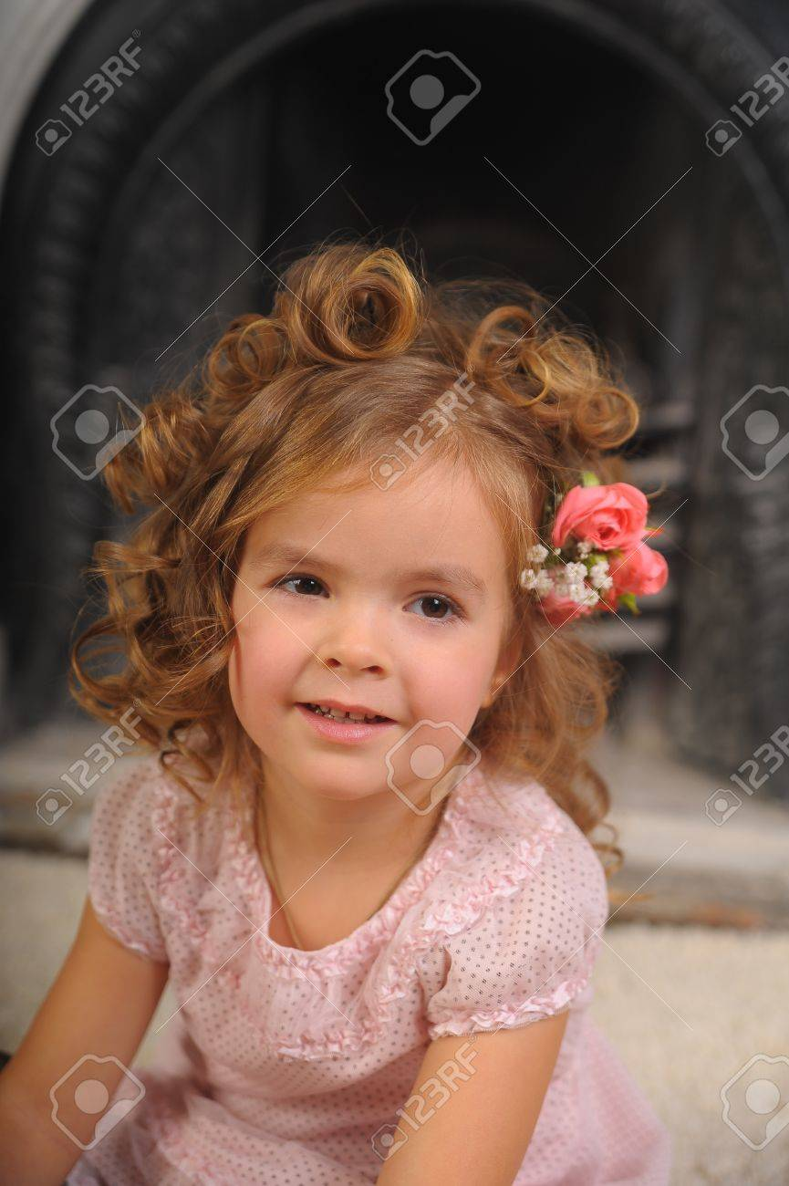 Elegant portrait of a sweet young girl Stock Photo - 10833152