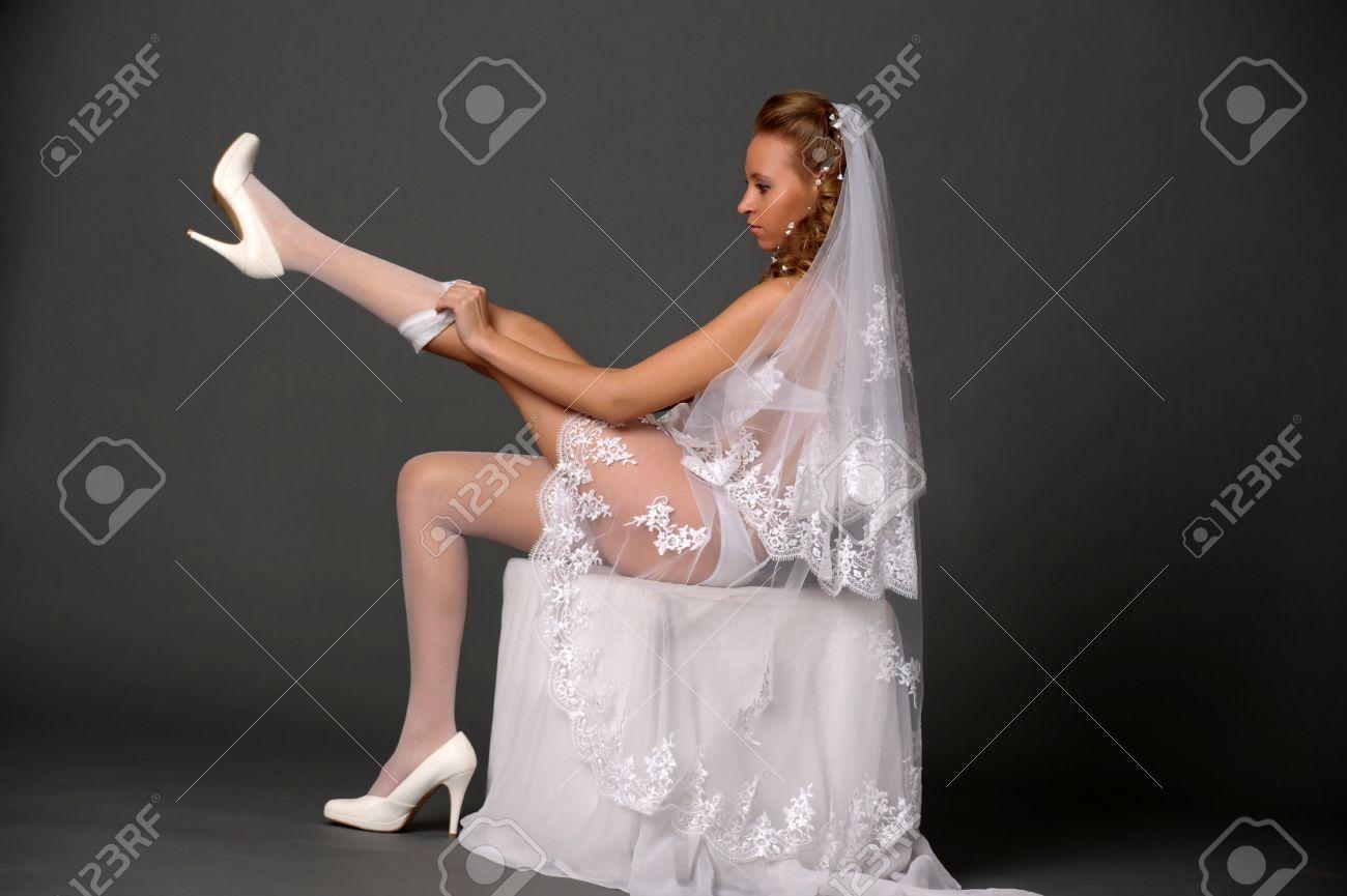 Фото невесты в чулках 13 фотография