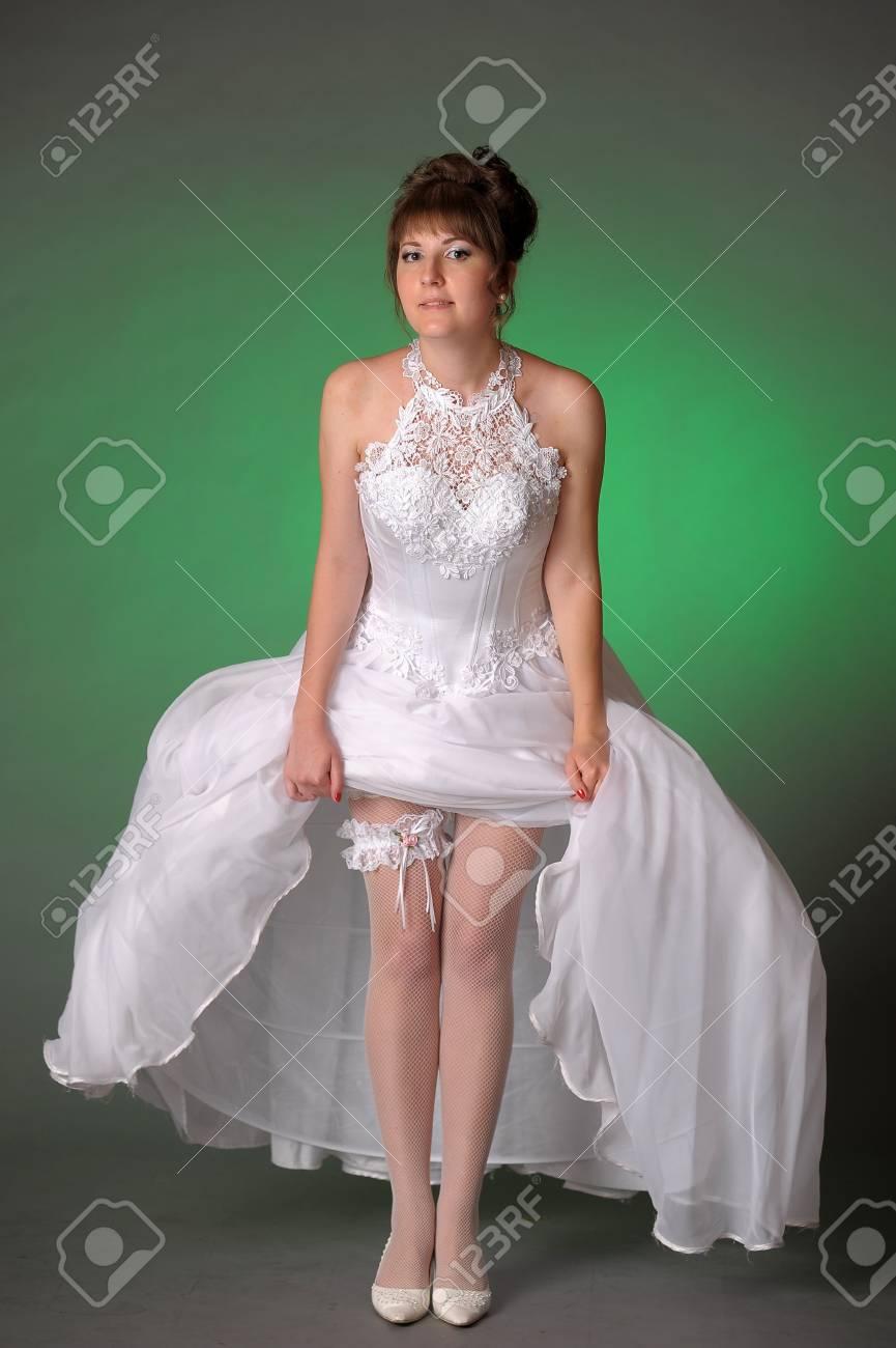 Schön Zirkuspartykleid Bilder - Hochzeit Kleid Stile Ideen ...