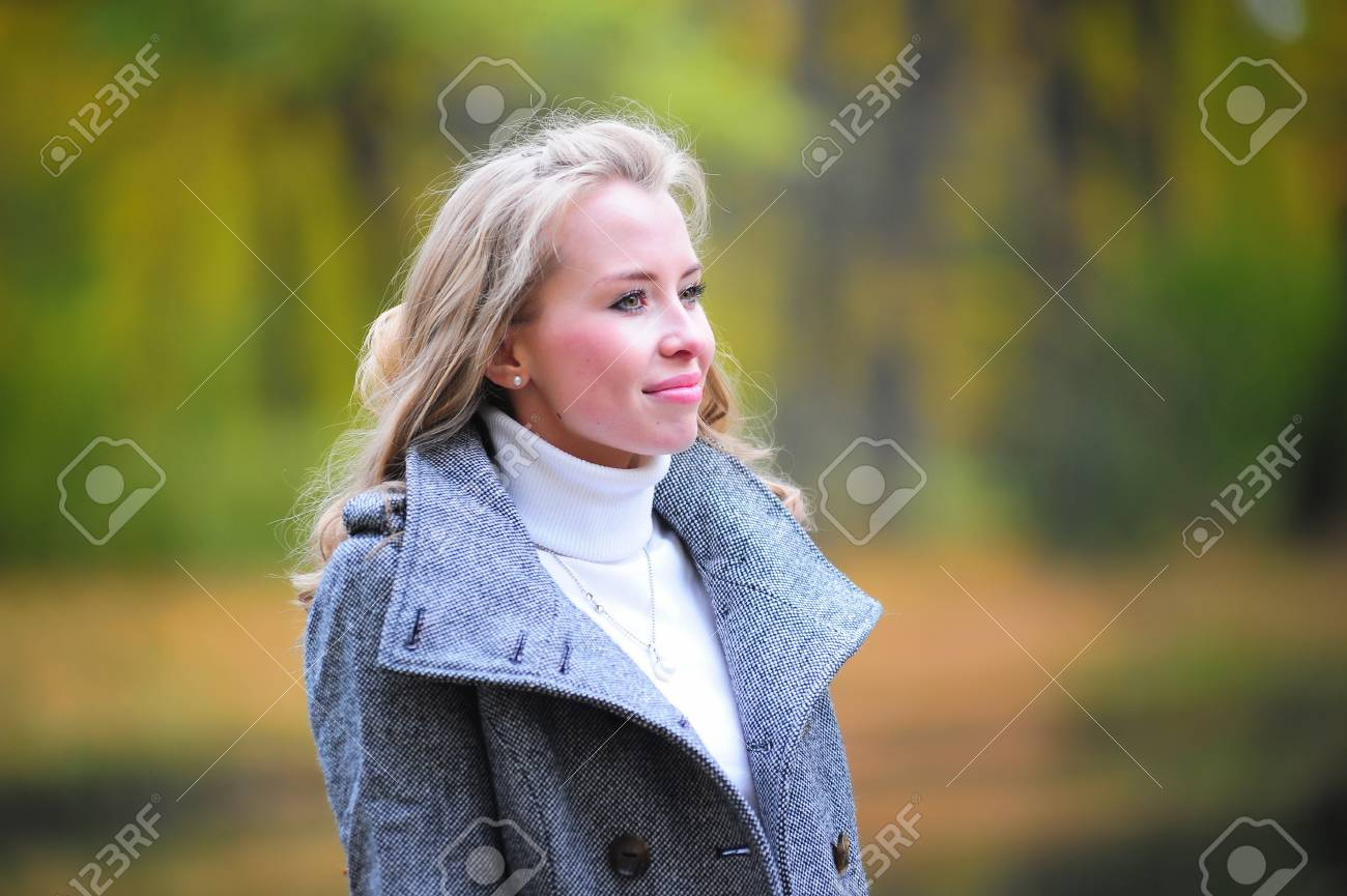 girl in autumn park Stock Photo - 10604142