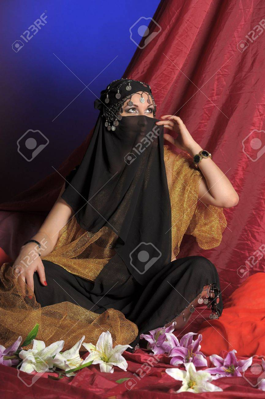 Beautiful asian girl with black veil on face Stock Photo - 11201860