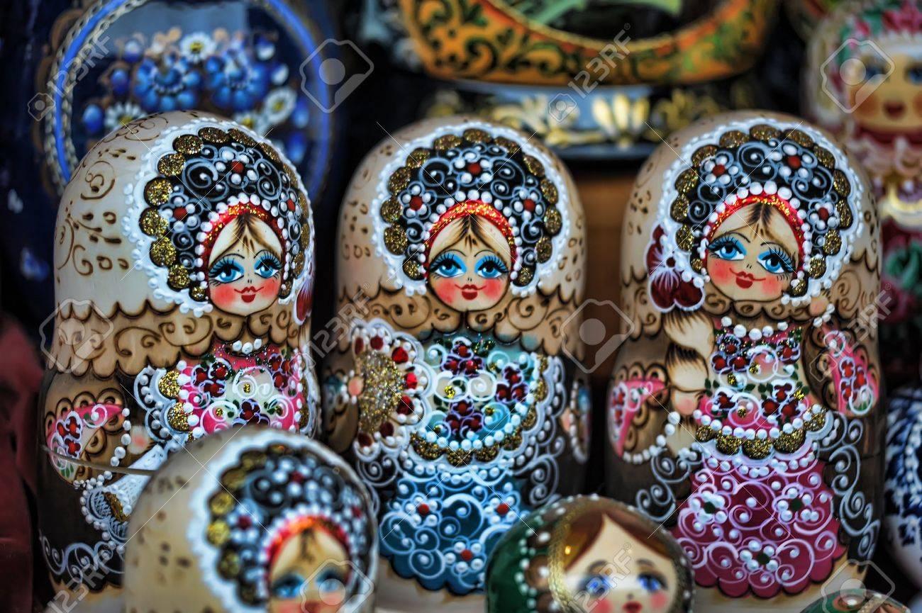 Russian nesting dolls Stock Photo - 11268189