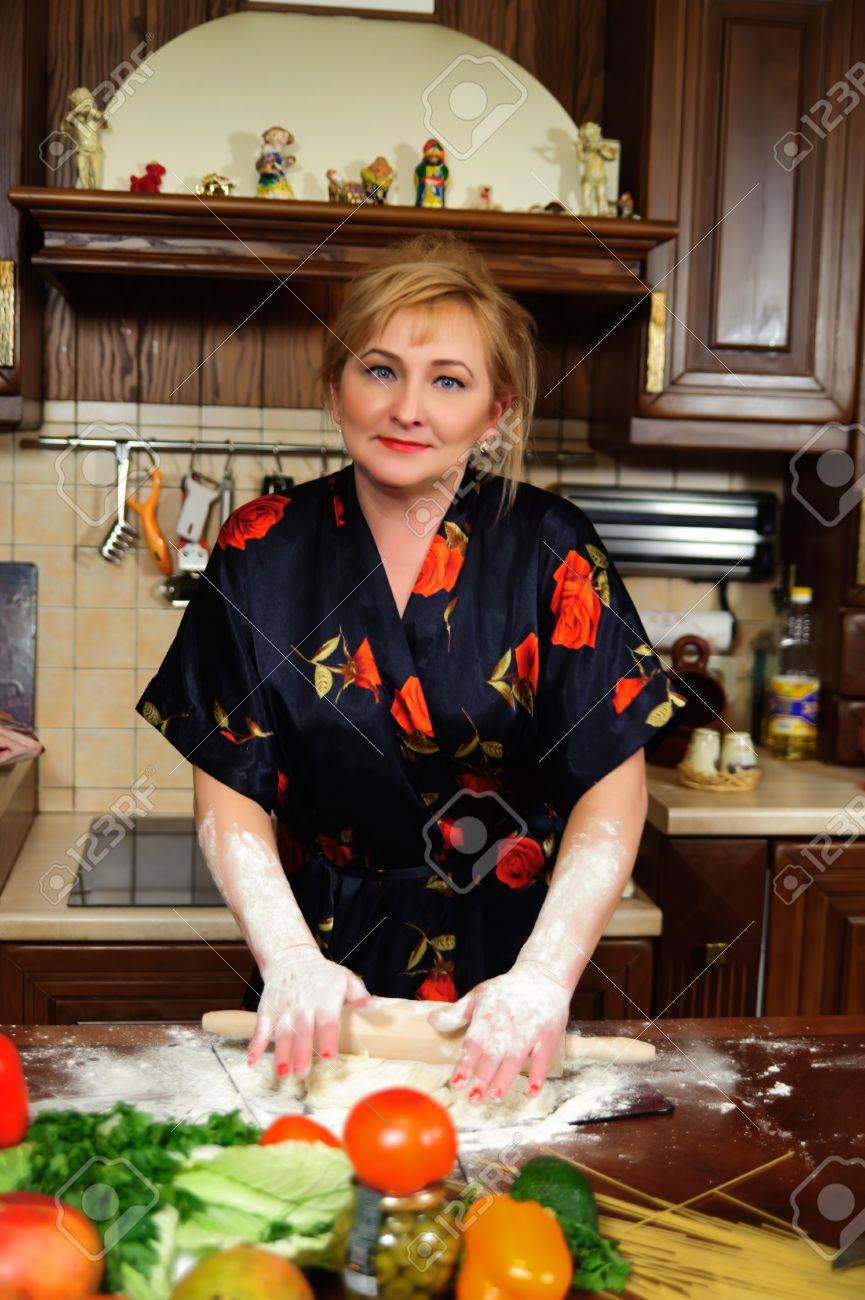 Со зрелой на кухне фото 9 фотография