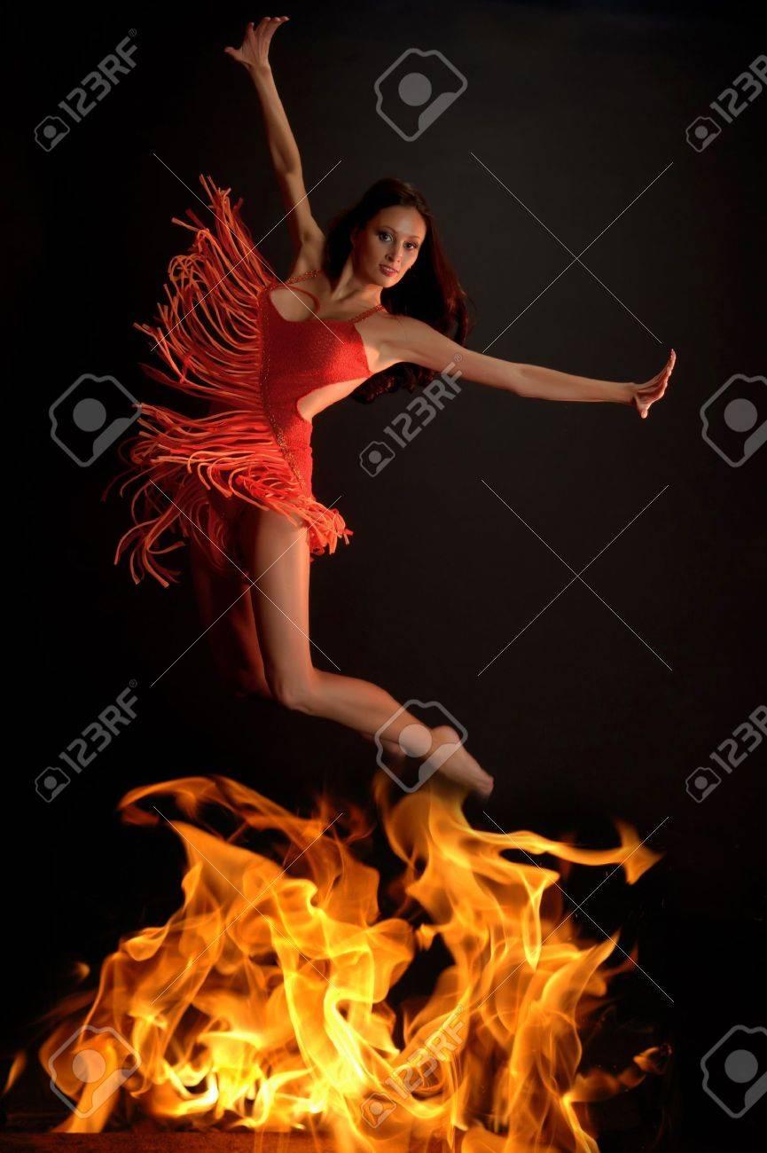 Bailarina mujer caliente Foto de archivo - 12205192