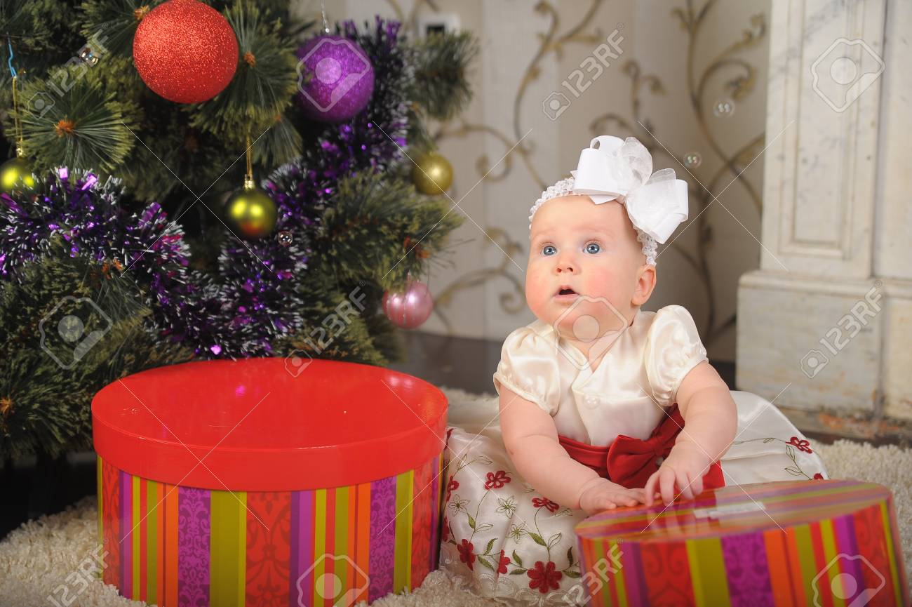 little girl with gift box Stock Photo - 17167075