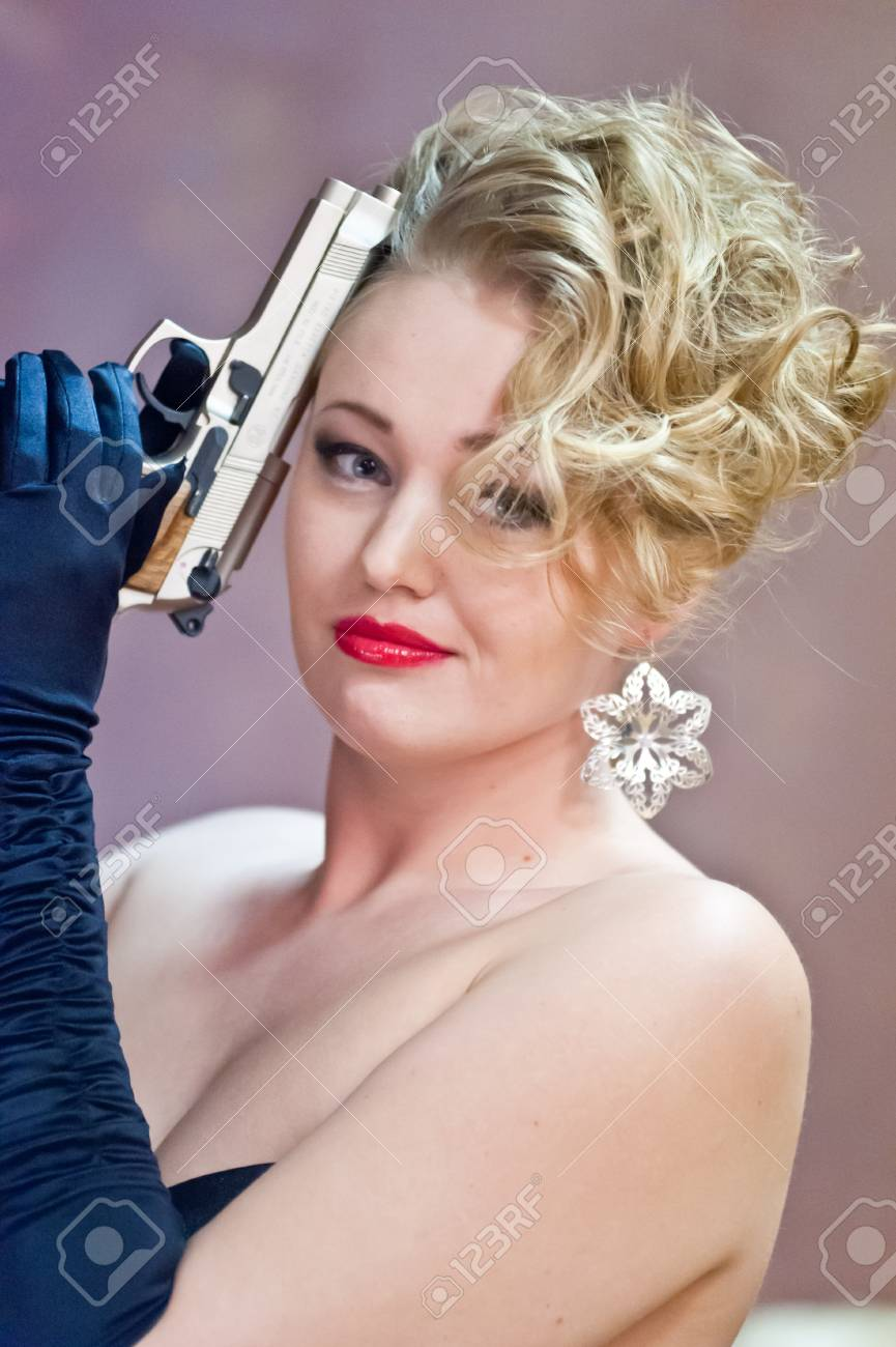 Gangster woman Stock Photo - 12674895