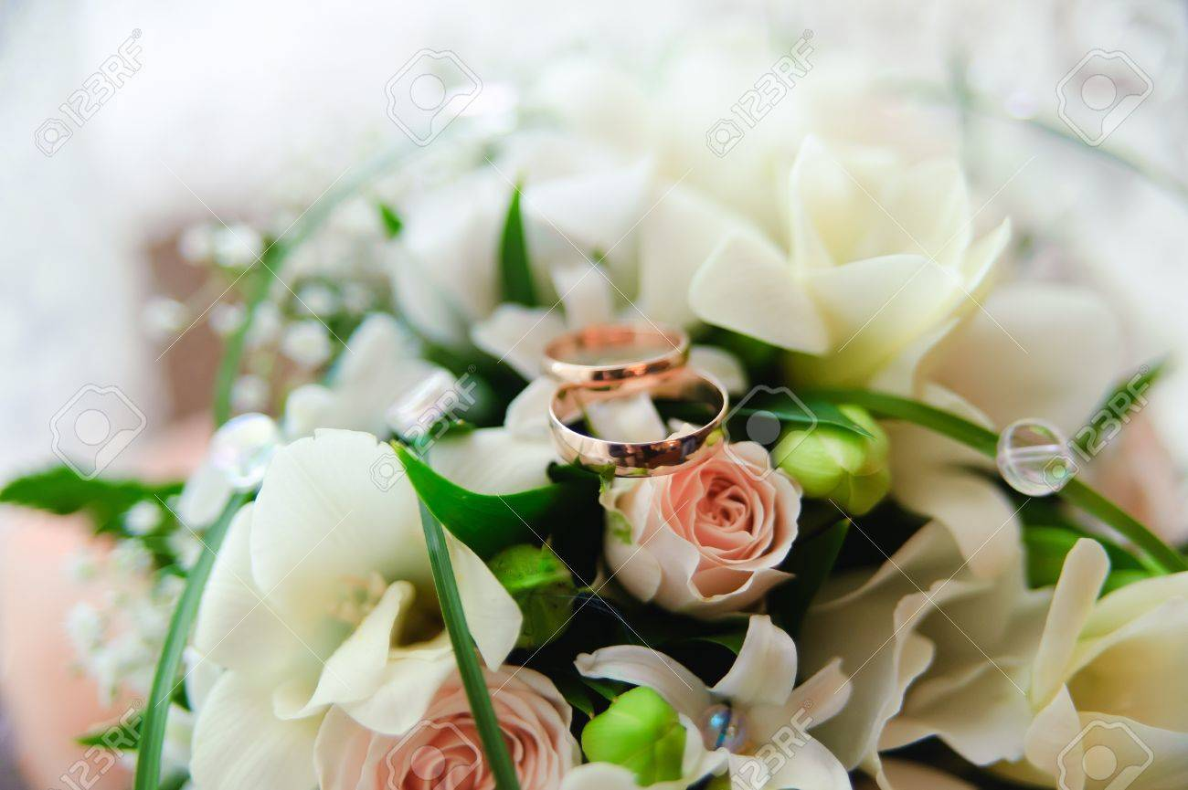 and bouquet s flowers with of rings wedding photo groom bride stock hands
