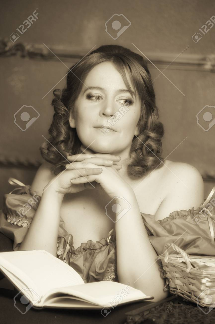 medieval lady with the book Stock Photo - 13479840