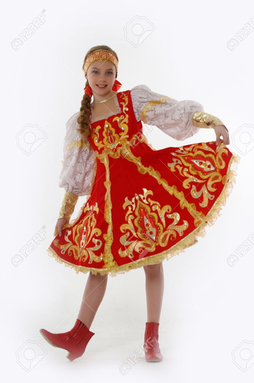 girl  In Russian Traditional Clothing Stock Photo - 14329977