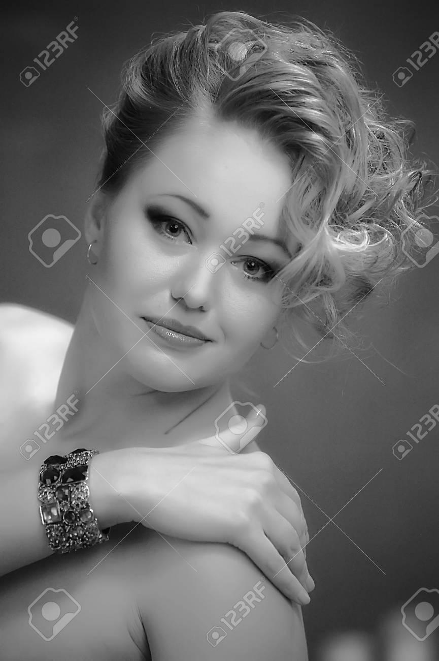Retro jewelry woman Stock Photo - 14167144