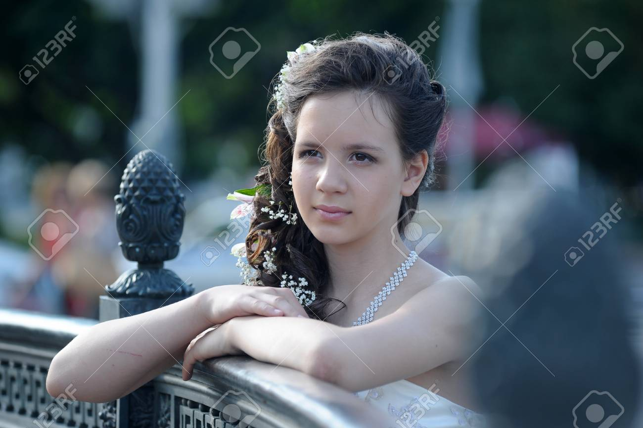 Young bride Stock Photo - 14403130