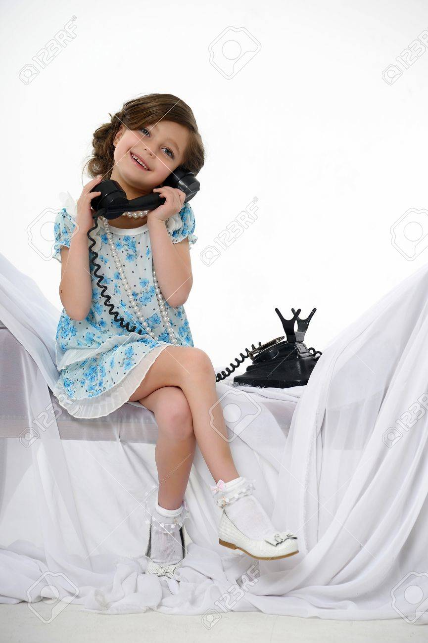 Little girl posing in her dress Stock Photo - 15662317