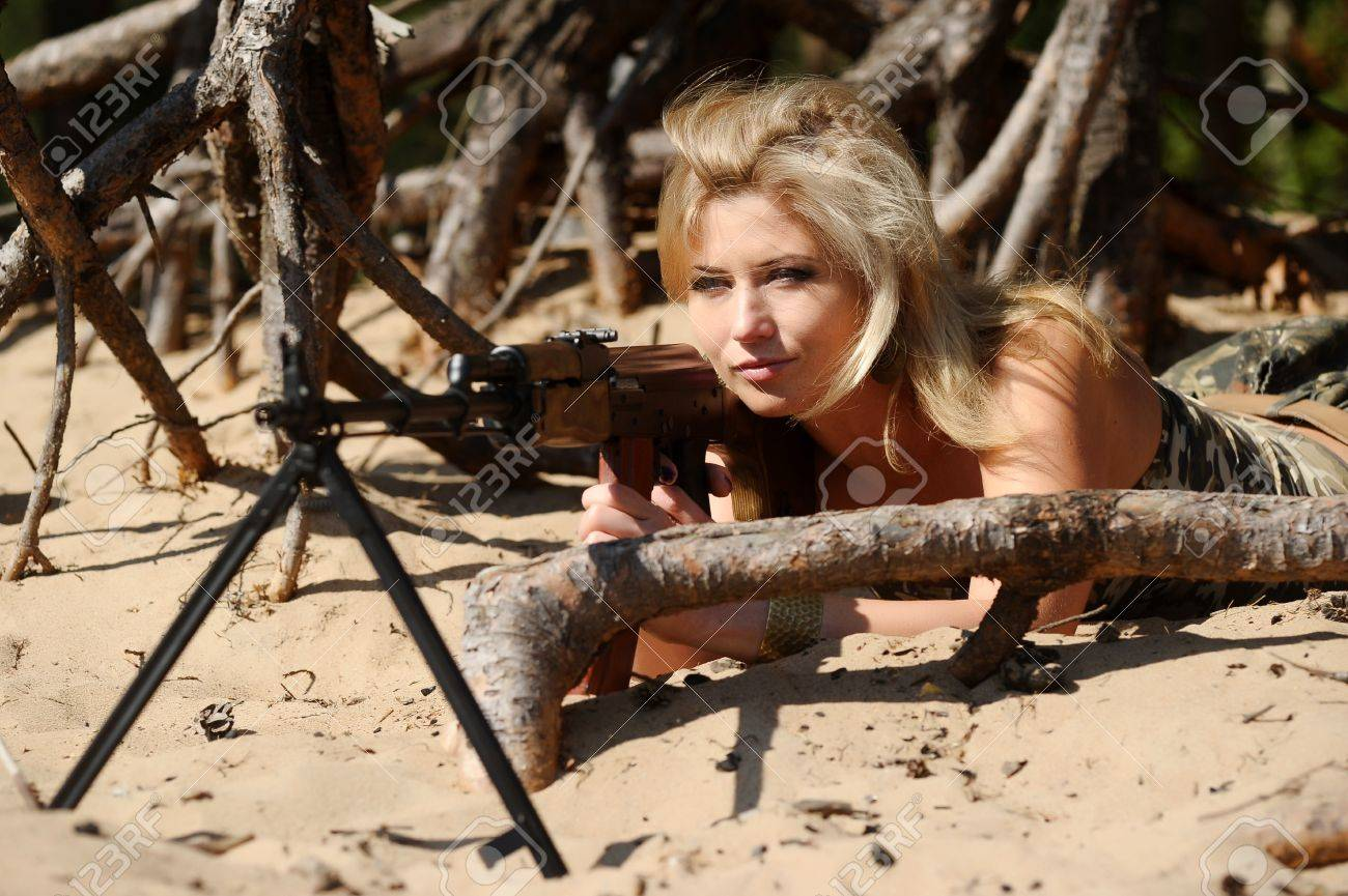 Woman with rifle Stock Photo - 15233499