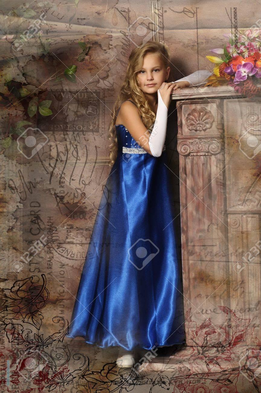 beautiful blond girl in retro style Stock Photo - 16194396