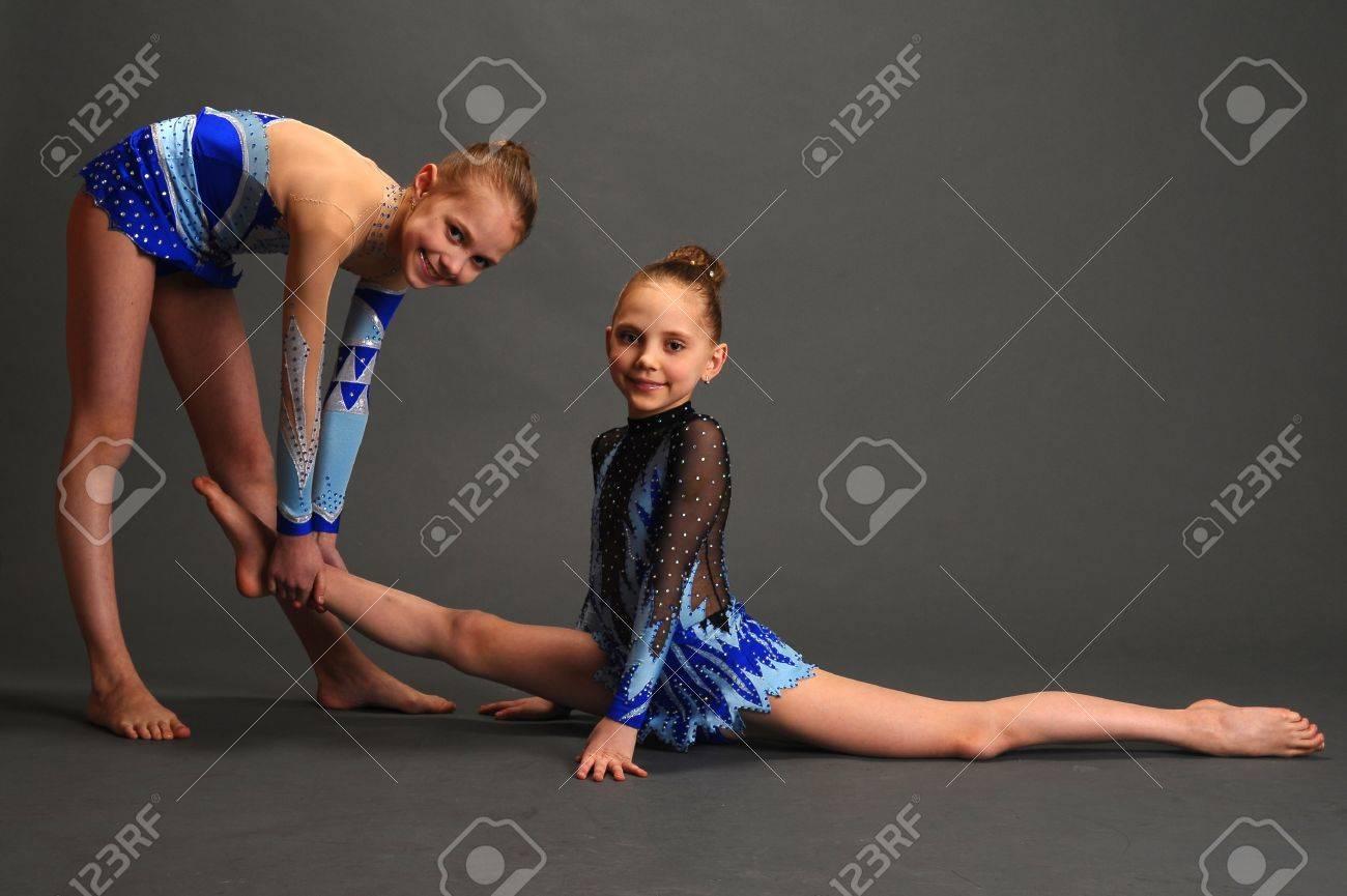 Фото две гимнастки 27 фотография