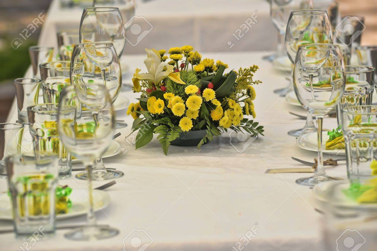 Fancy table set for a wedding lucnh Stock Photo - 15647399