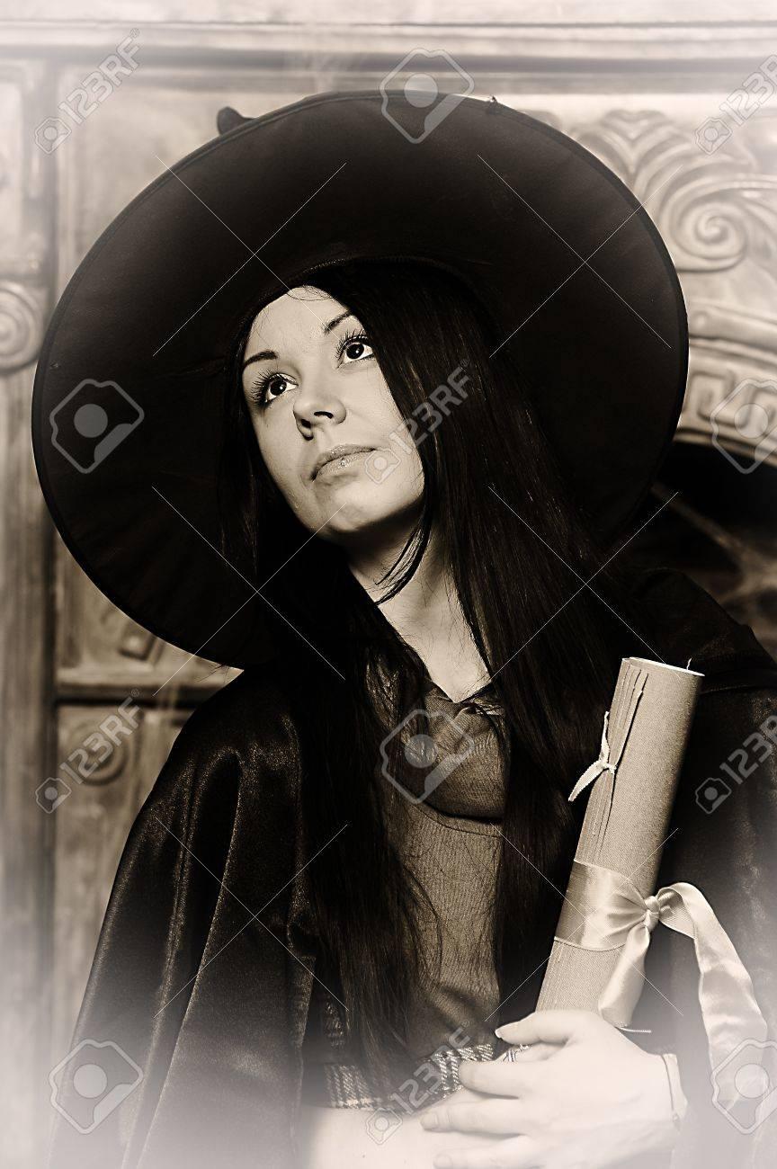 Halloween witch Stock Photo - 19000560