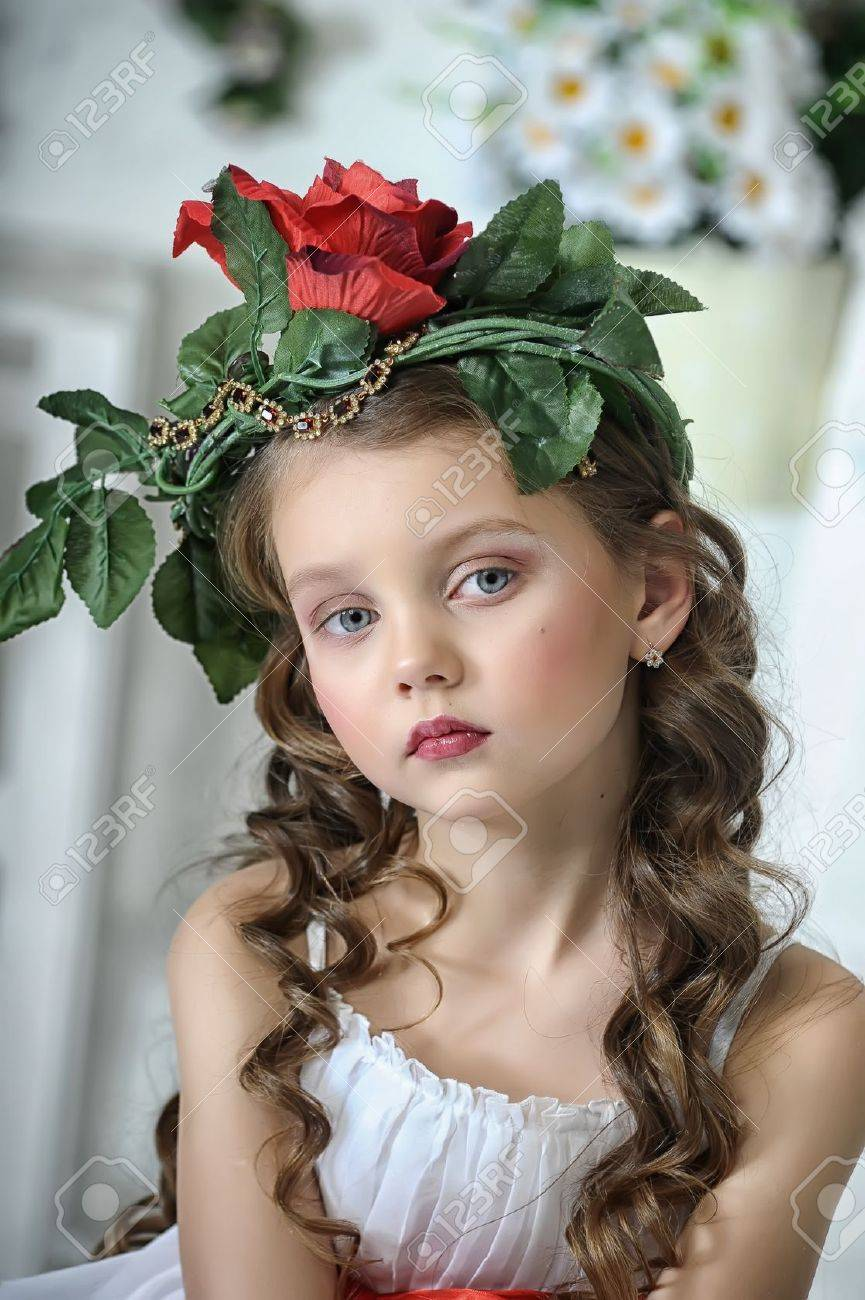 Vintage Girl with Flowers Stock Photo - 17481489
