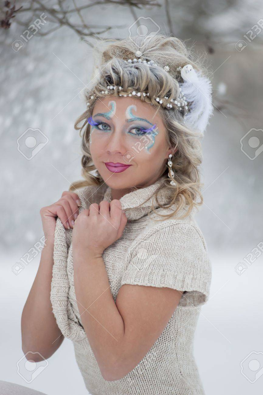 girl on a winter background Stock Photo - 21078657