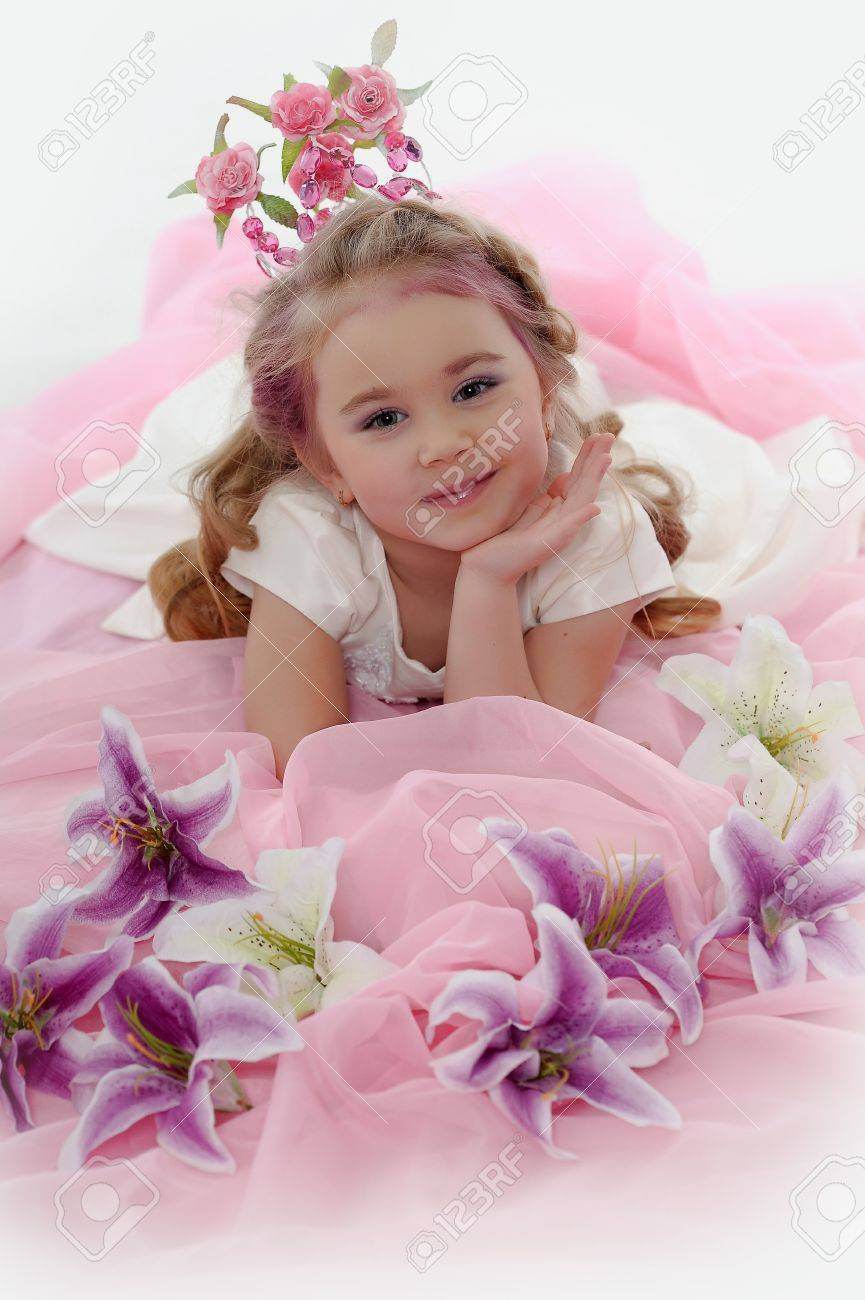young princess wearing a crown of flowers Stock Photo - 19139989