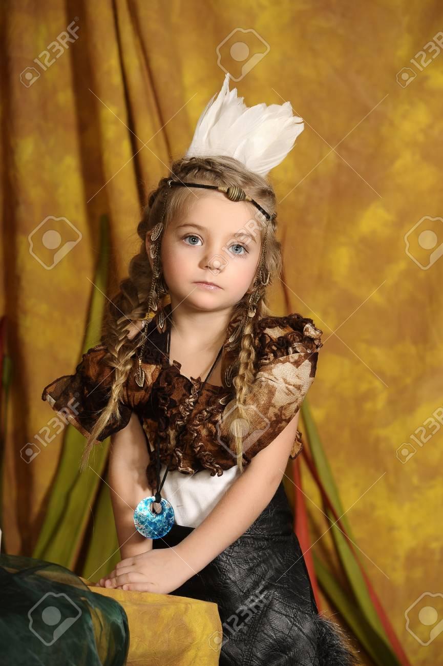 American Indian Girl Stock Photo - 18993778