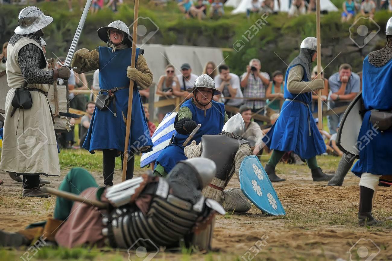 13 世紀の中世の戦い ロイヤリテ...