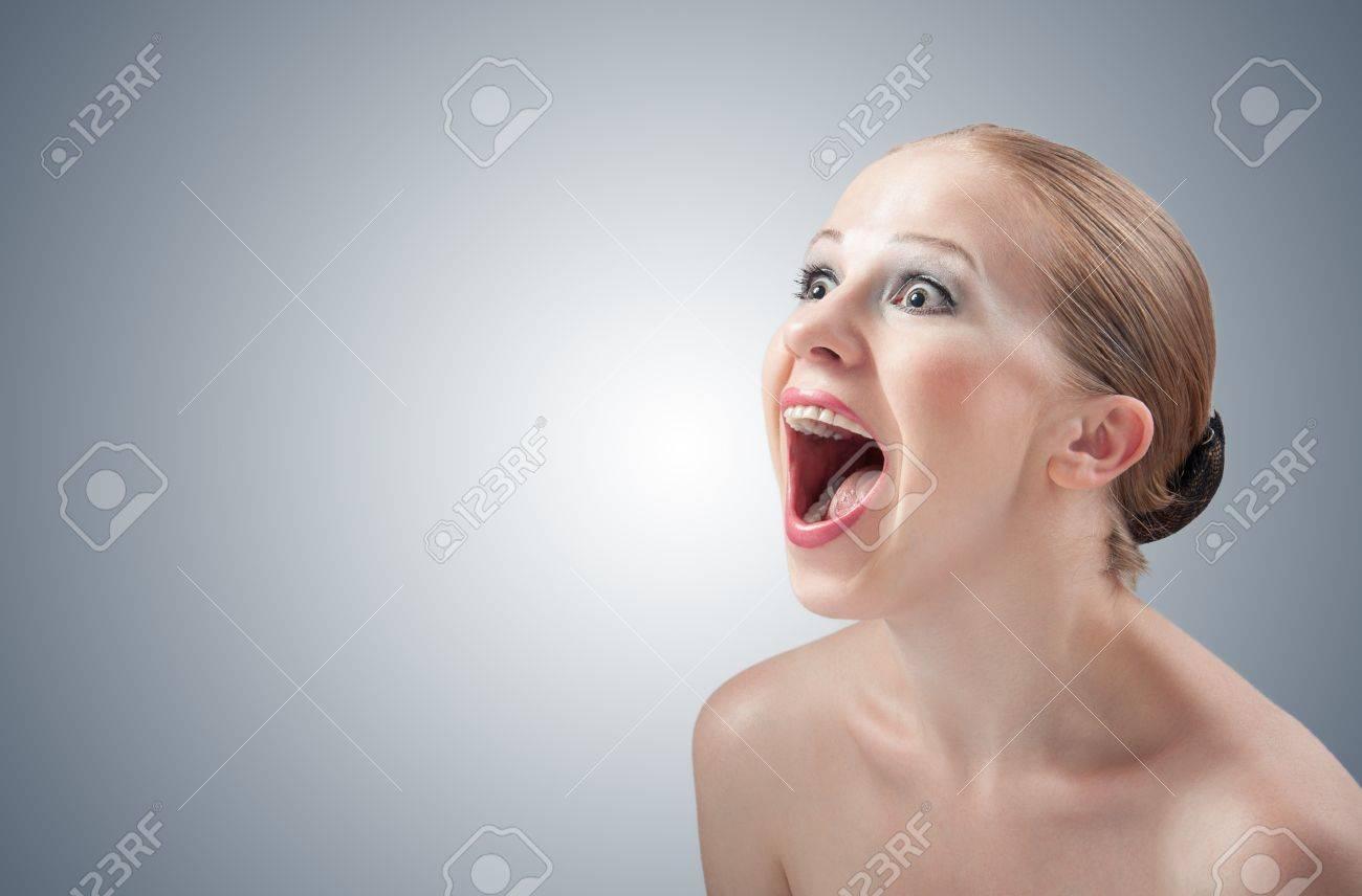 Русская женщина кричит 4 фотография