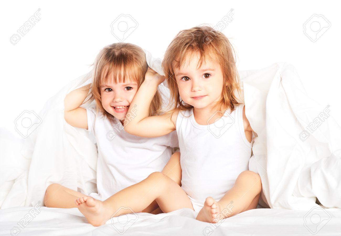 Сестра под одеялом 24 фотография
