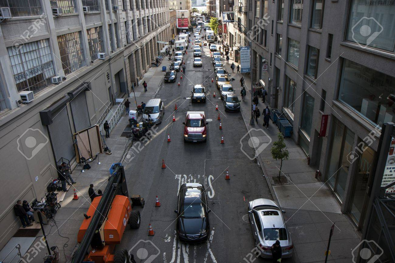 Busy street with traffic in New York city Stock Photo - 14803465