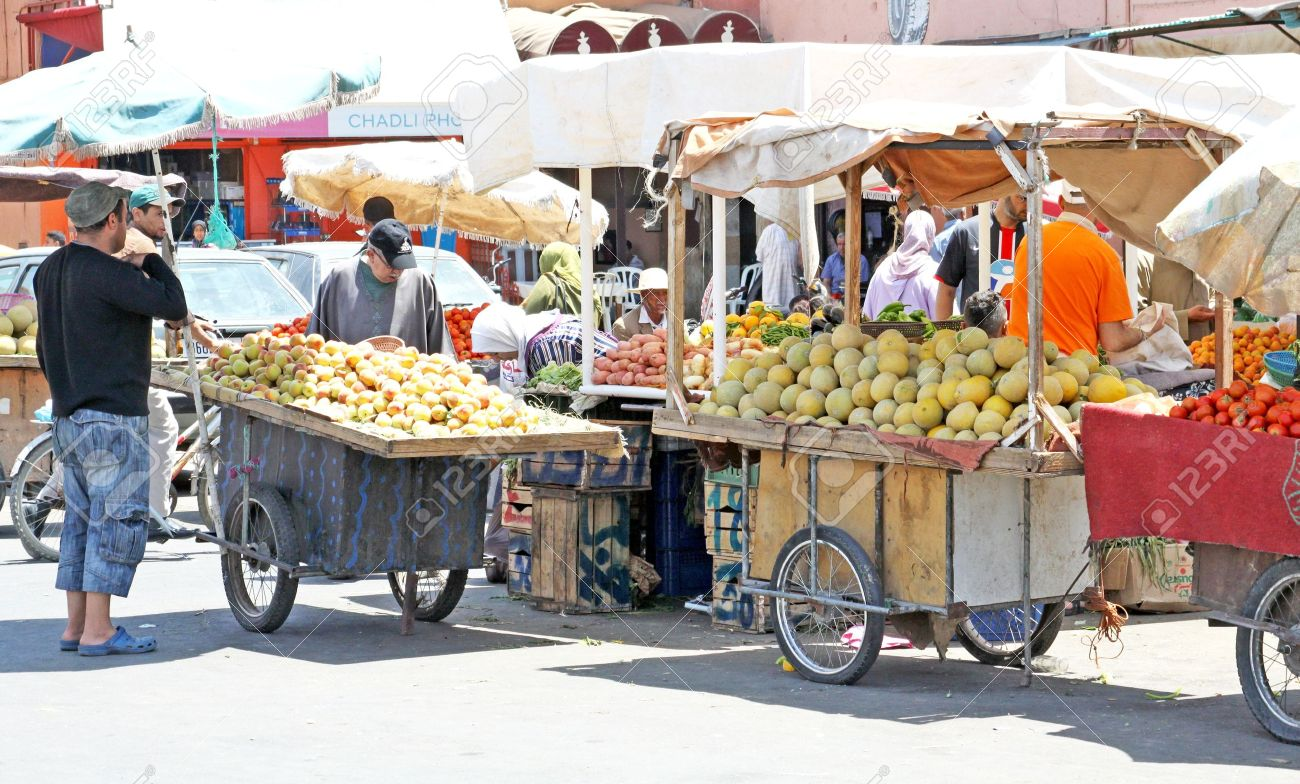 Fruits in street market in Marrakesh, Morocco Stock Photo - 16043201