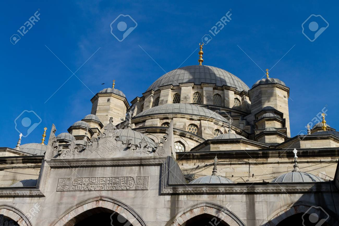 Eminonu New Mosque, Istanbul, Turkey Stock Photo - 23114575