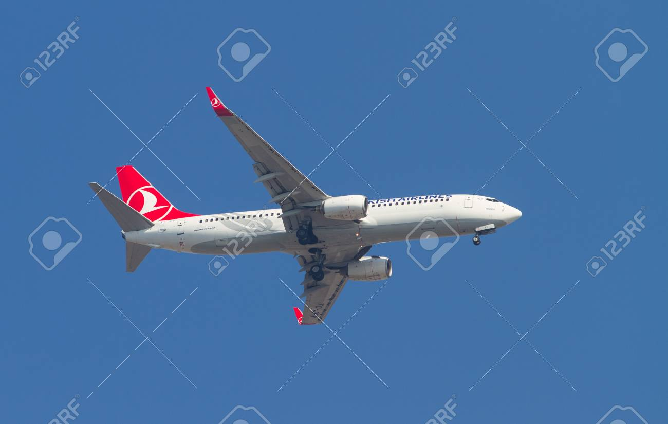 ISTANBUL, TURKEY - AUGUST 16, 2014: Turkish Airlines Boeing 737-800