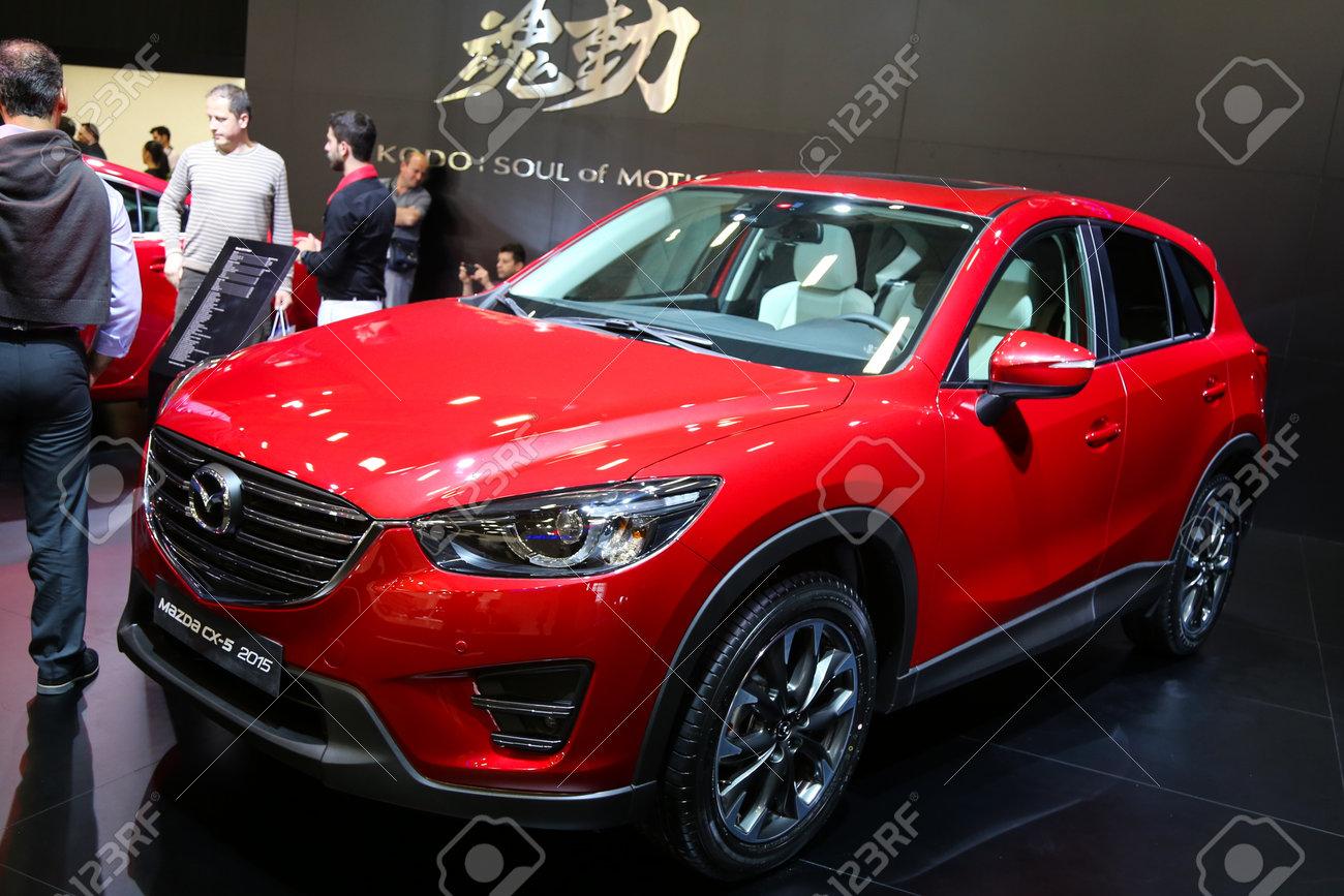 Istanbul, Turquie - 21 mai 2015: Mazda CX-5 à Istanbul Salon de 2015