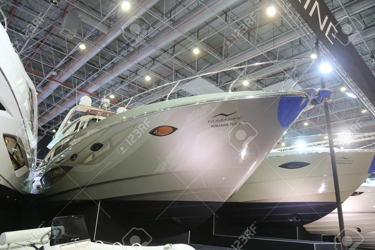 ISTANBUL, TURQUIE - 13 FÉVRIER 2016: Numarine 70 Fly Yacht exposée au 9ème  salon CNR Eurasia au CNR Expo Center