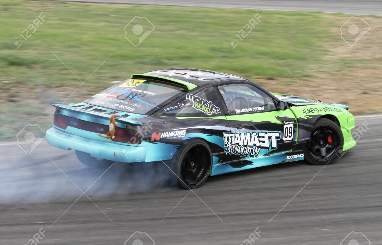 Izmit Turkey August 28 2016 Ibrahim Yucebas Drives Nissan Stock Photo Picture And Royalty Free Image Image 62094529